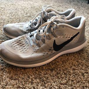 Nike Free (Size 6)